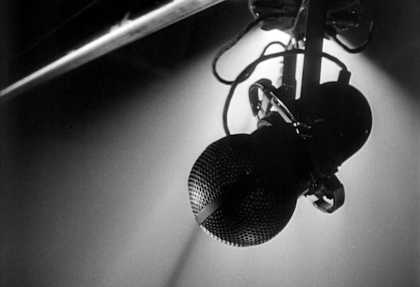 microphone-600x410